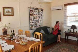 Gumdale Lounge/Dining
